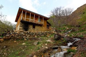 2017 Iran Allamut Valley IMG-9125 (Copy)